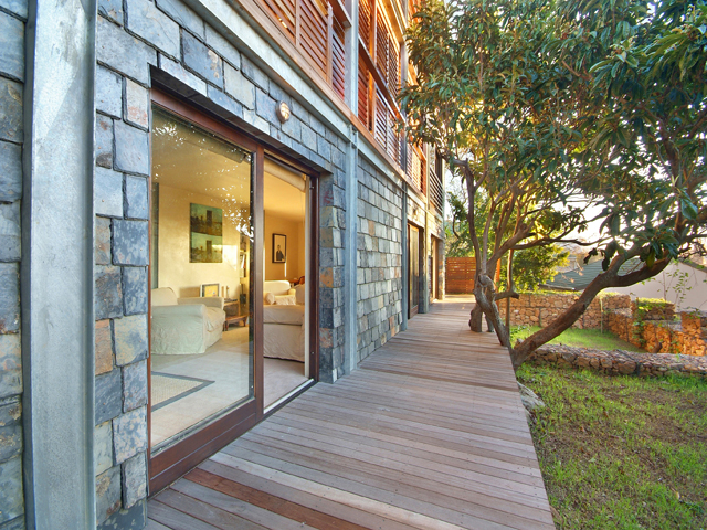 holiday rentals Camps Bay apartments geneva low