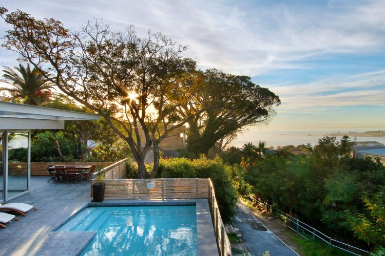 4 Bedroom Villa Rental family friendly Camps Bay