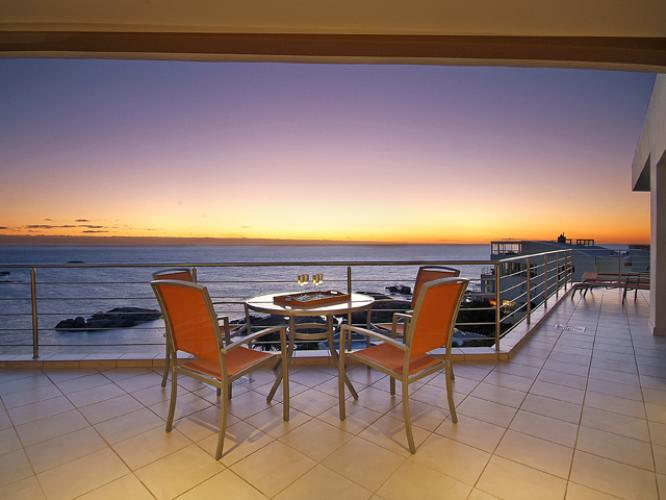 Camps-Bay-Terrace Penthouse-december-holiday