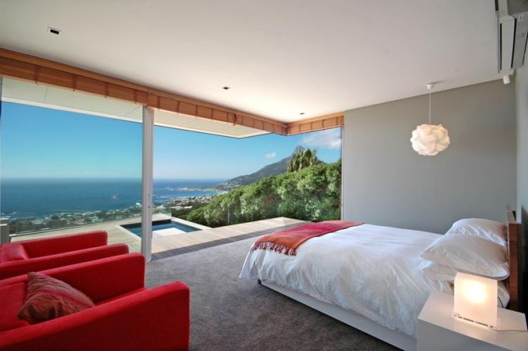 Modern-Luxury-Camps-Bay-Holiday-villas-Beach