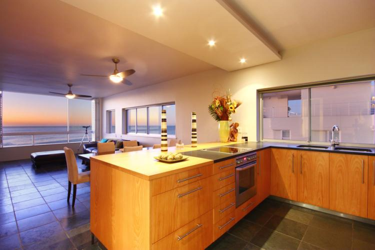 Seacliffs-Apartment-beach-camps-bay-holiday-villas