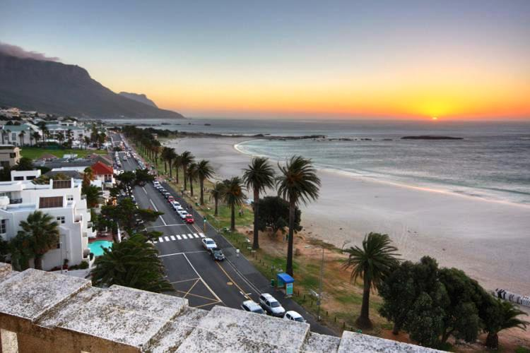cape-town-camps-bay-holiday-self-catering-dining-out