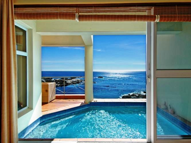 villa-Camps-Bay-beach-luxury-villas-Cape-town