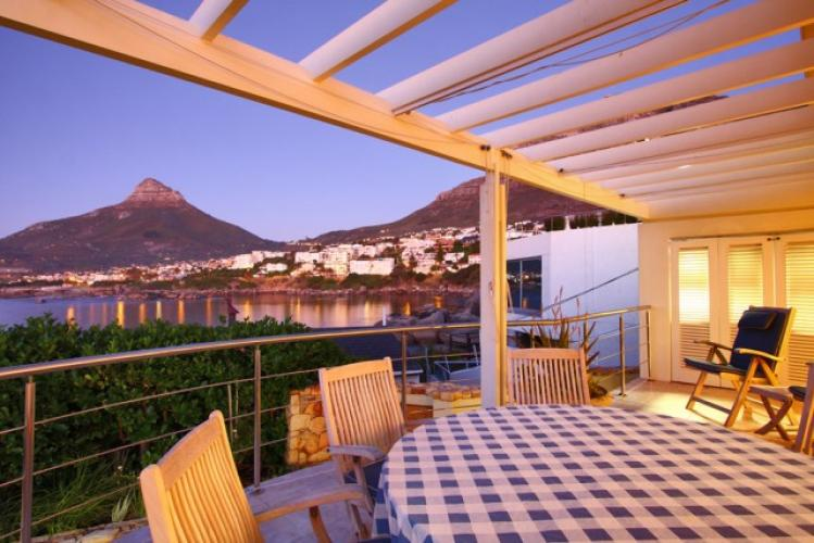 beta-villa-family-villa-rental-Bantry-Bay-Camps-Bay-Christmas-Cape-Town
