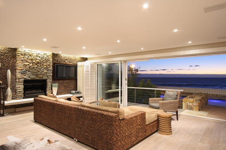 Glen-Beach-Main-House-Camps-Bay-exclusive-villa-rental-Victoria-Road