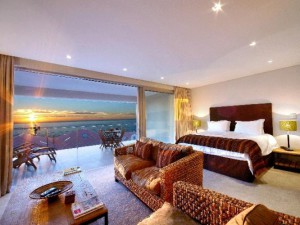 Cape-Blue-Luxury-Camps-Bay-Villas-Families-holiday-rental